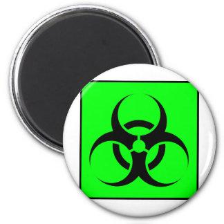 Bio peligro o verde de cuidado del símbolo de la m imanes para frigoríficos