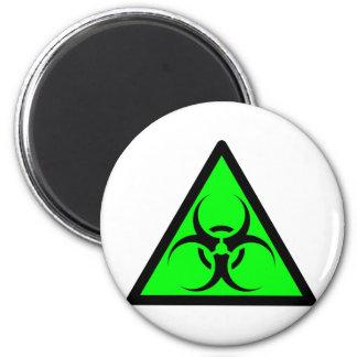 Bio peligro o verde de cuidado del símbolo de la m imán para frigorifico