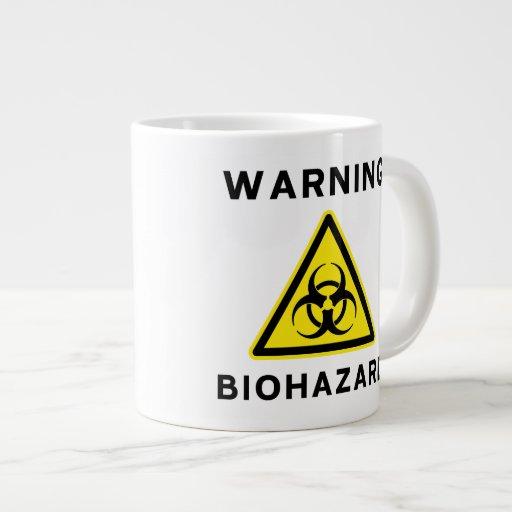 Biohazard que advierte la taza enorme taza grande