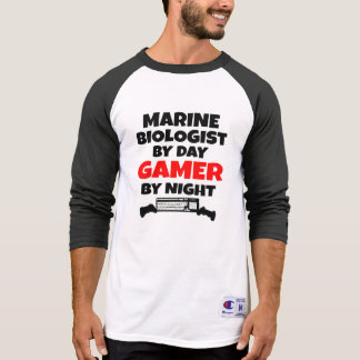 Biólogo del infante de marina del videojugador playera