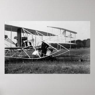 Biplano de los hermanos de Wright en la pista 1909 Poster