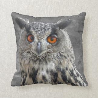 Bird of Prey #6 Owl Throw Pillow