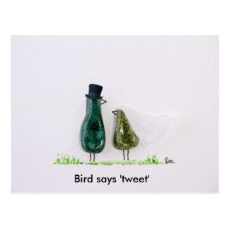 Bird says 'tweet' Wedding couple in green ceramic Postcard