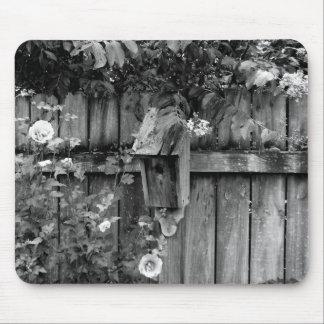 Birdhouse en verano tapetes de ratón