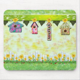 Birdhouses en cojín de ratón de la primavera alfombrilla de ratón