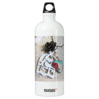 Birdie cage vintage floral necklace SIGG traveler 1.0L water bottle