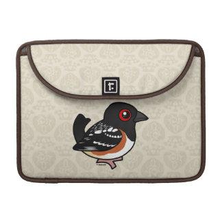 Birdorable manchó el Towhee Fundas Para Macbook Pro