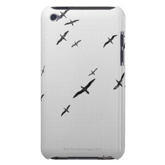 Birds flying iPod touch Case-Mate case