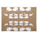 Birds_gold_cute_design blanco de Birds_Funny_love Mantel Individual