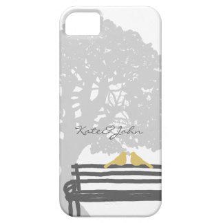 Birds on a Park Bench Wedding iPhone SE/5/5s Case