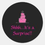 ¡birthday%20cake, Shhh… es una sorpresa!! Pegatinas Redondas
