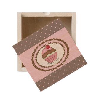 Birthday card with cupcake wooden keepsake box