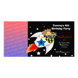 Birthday party invitations (rocket boy)