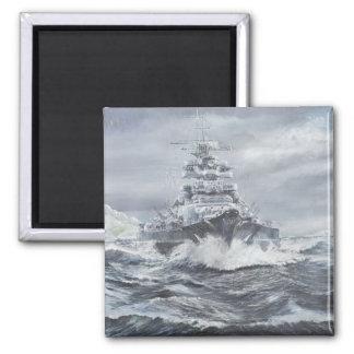 Bismarck de la costa 1900hrs 23rdMay de Imán Cuadrado