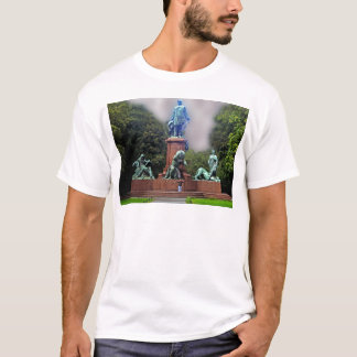 Bismarck Statue, Berlin,Panoramic T-Shirt
