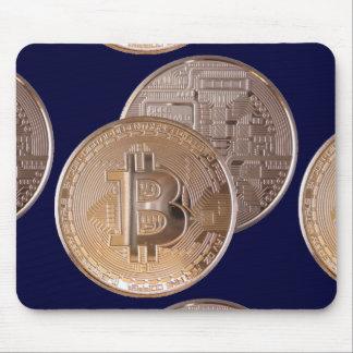 Bitcoin metallic made of copper. M1 Tapetes De Raton