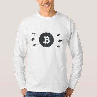 Bitcoin que enciende la camiseta larga de la manga poleras