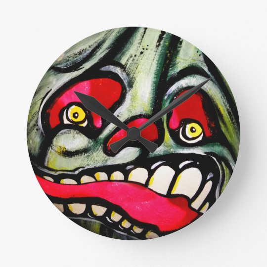Biting Scream Round Clock