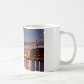 Bizkaia bridge taza clásica