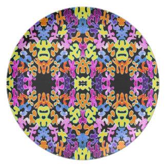 Black Abstract Jigsaw Plate