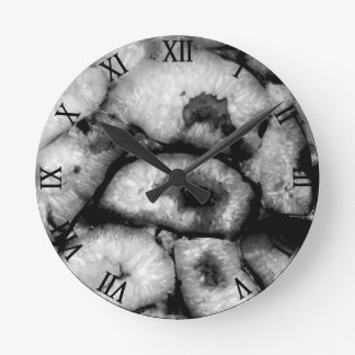 Black Agate Round Clock