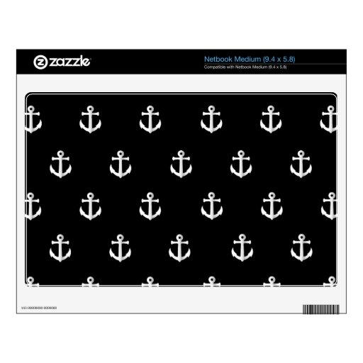 Black anchor pattern skin for netbook