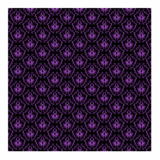 Black and Purple Damask Pattern. Gothic. Statuette