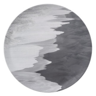 Black and white beach scenic dinner plate