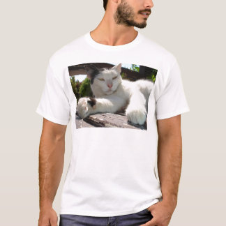 Black and White Bicolor Cat Lounging on A Park Ben T-Shirt