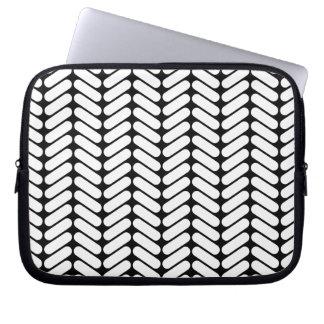 Black and White Chevron Pattern, Like Knitting. Computer Sleeve