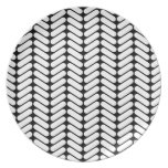 Black and White Chevron Pattern, Like Knitting. Party Plates