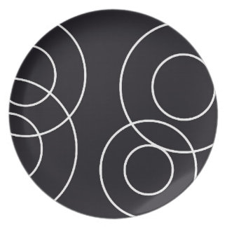 Black and White Circle Plate