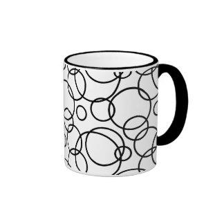 Black And White Circles Ringer Mug