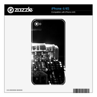 Black And White Cityscape 16 Skin For The iPhone 4