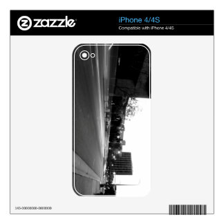 Black And White Cityscape 5 iPhone 4 Skins