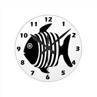 Black And White Fish Round Wallclock