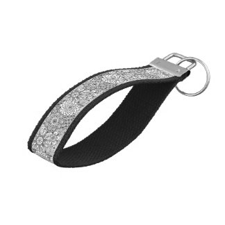 Black And White Floral Lace Pattern Wrist Keychain