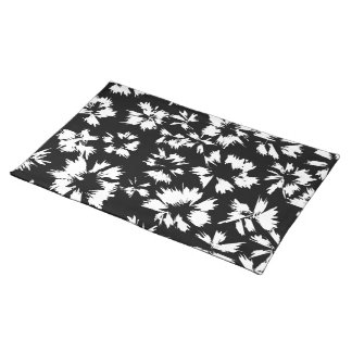 Black and white floral pattern. placemat