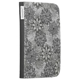 Black and White Flowers Kindle Case