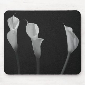 Black and White Flowers Mouse Pad