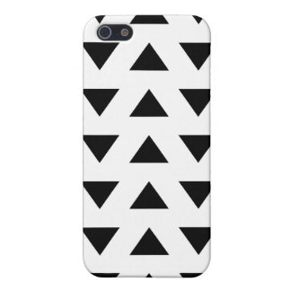 Black and White Geometric Pattern of Triangles. Cover For iPhone SE/5/5s