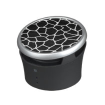 Black and White Giraffe Print Animal Pattern Speaker