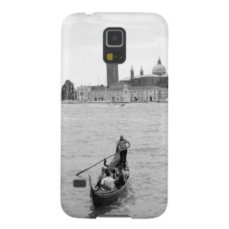 Black and white Gondolier in Venice Galaxy S5 Cover