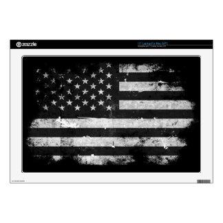 "Black and White Grunge American Flag 17"" Laptop Skin"