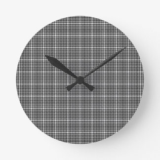 Black and White Houndstooth Tartan Plaid Round Clock