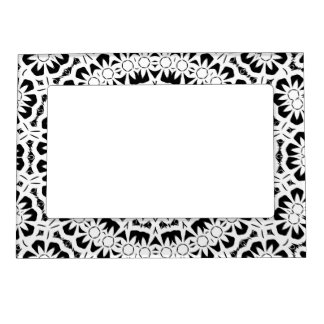 Black and White Kaleidoscope Pattern II Magnetic Photo Frame
