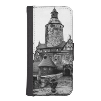 Black and White Magical Castle Photograph iPhone SE/5/5s Wallet