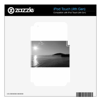 Black and White Ocean Sunset iPod Touch 4G Skin