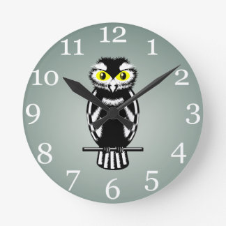 Black and White Owl with Bright Eyes Round Wall Clocks