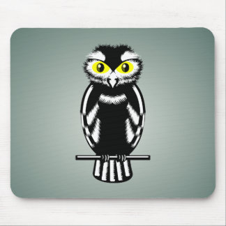 Black and White Owl with Bright Eyes Mouse Pad